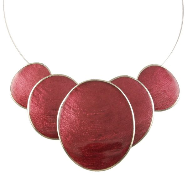 Burgundy shell necklace with 5 burgundy ovals